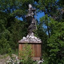 Richard-Nonas-Edge-stones-Vière-et-les-Moyennes-Montagnes-2011-Prads-Haute-Bléone-VIAPAC-©-Musée-Gassendi-1024x764